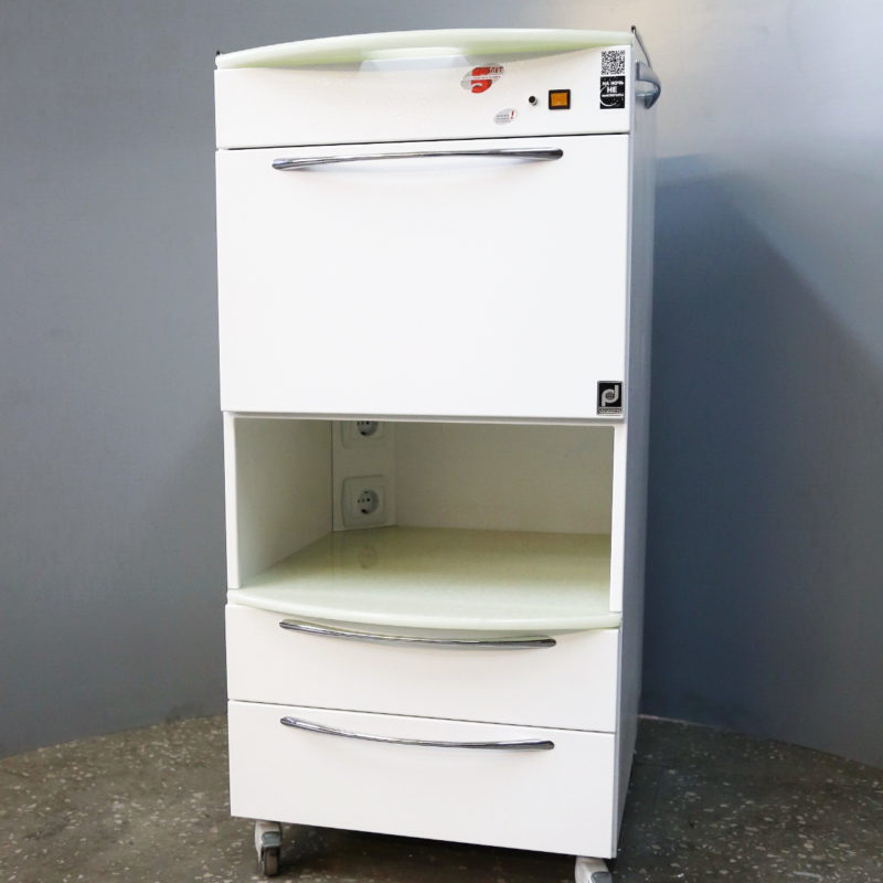 Mobile cabinet with PANMED-7 UV chamber and section for ENT instruments