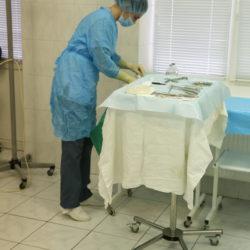 Накрытый столик Кохера готов к операции