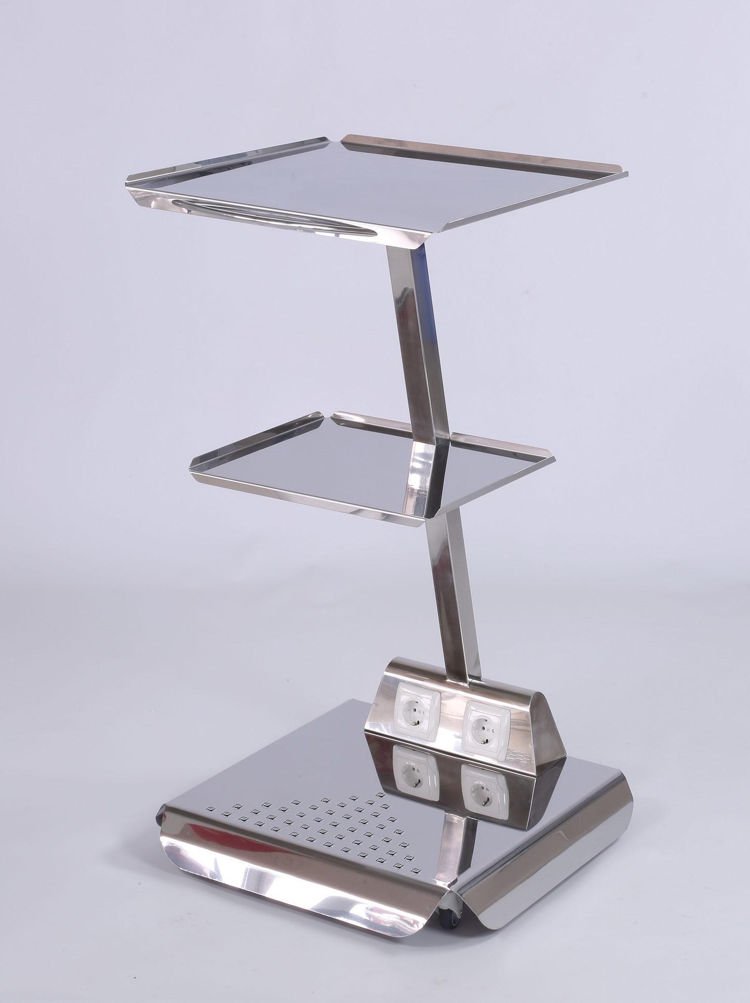 Приборный столик