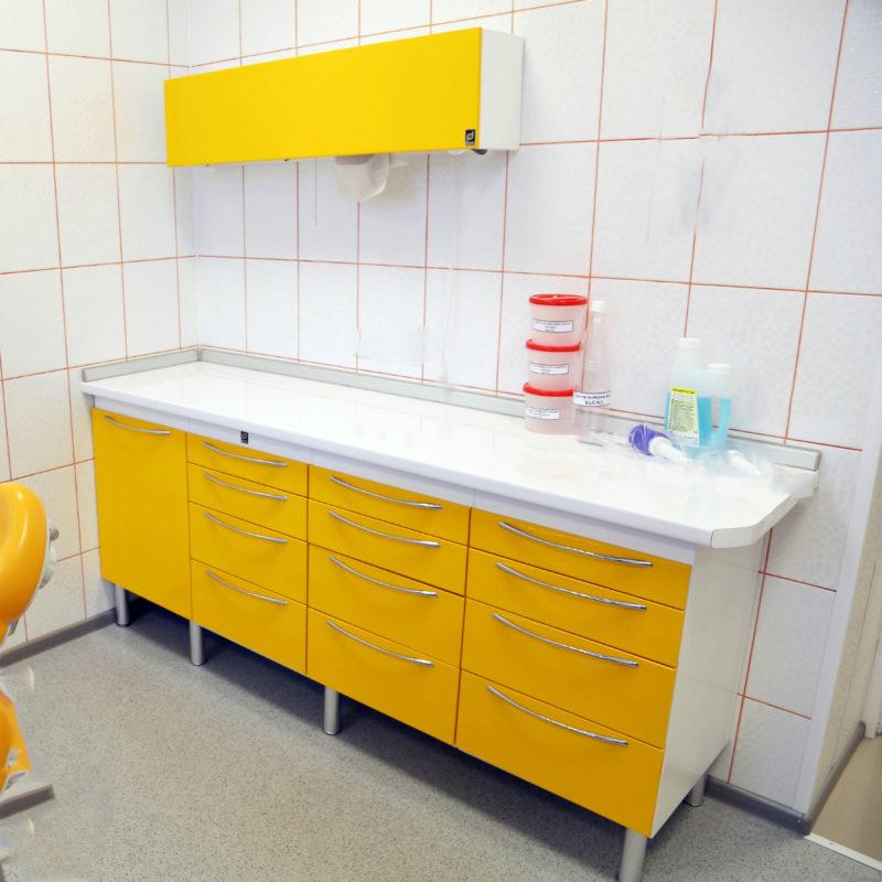 Гарнитуры для медицинского кабинета