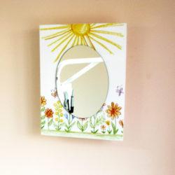 Аптечка картина с рисунком и зеркалом