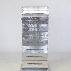 Тумба на платформе из итальянской зеркальной нержавеющей стали